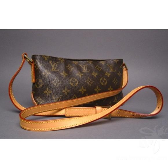 48e2b3a92fb5 Louis Vuitton Handbags - Authentic Louis Vuitton Trotteur Crossbody